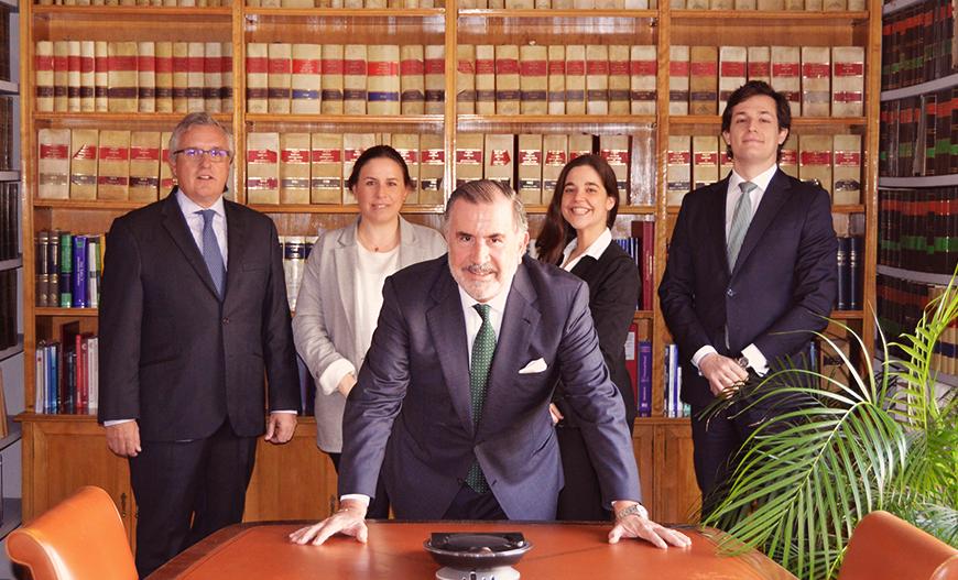 Equipo-Abogados-licitacion-arbitraje-Moscardo-Legal